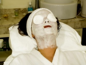 picture of lady getting a facial